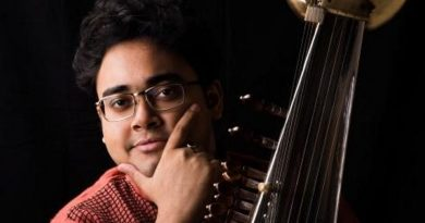 Star of the sarod stringed instrument plays at music festival