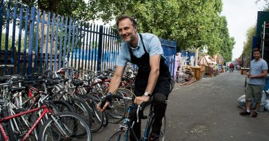 Walking Dead actor David Morissey backs refugee bike scheme