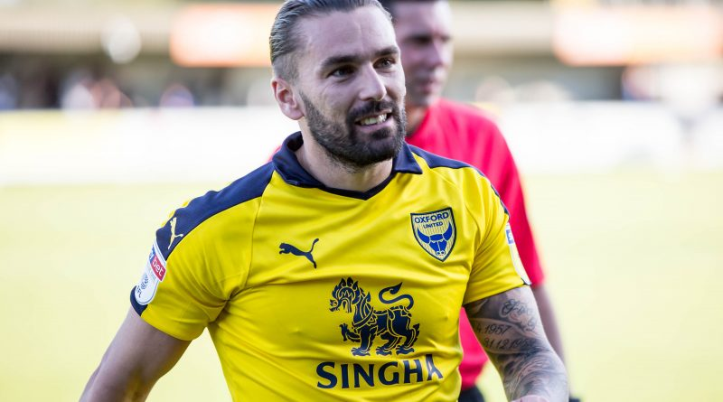 Charlton Athletic v Oxford United: Addicks make two changes as Karl Robinson and Ricky Holmes return