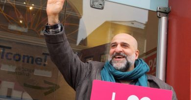 Comedian Omid Djalili says goodbye to the Polka Theatre in Wimbledon