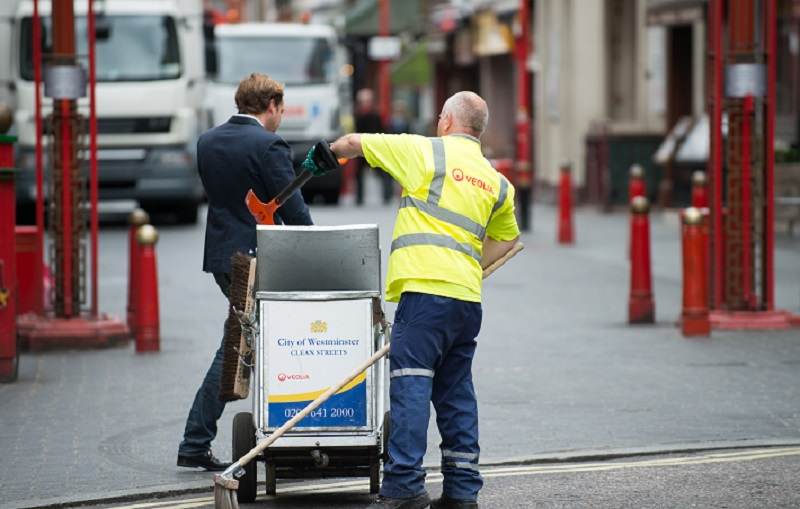 competitive price a9512 450f9 Street cleaning firm Veolia praised for giving jobs to homeless