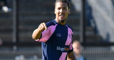 Departing Dulwich Hamlet defender could end up with League Two move