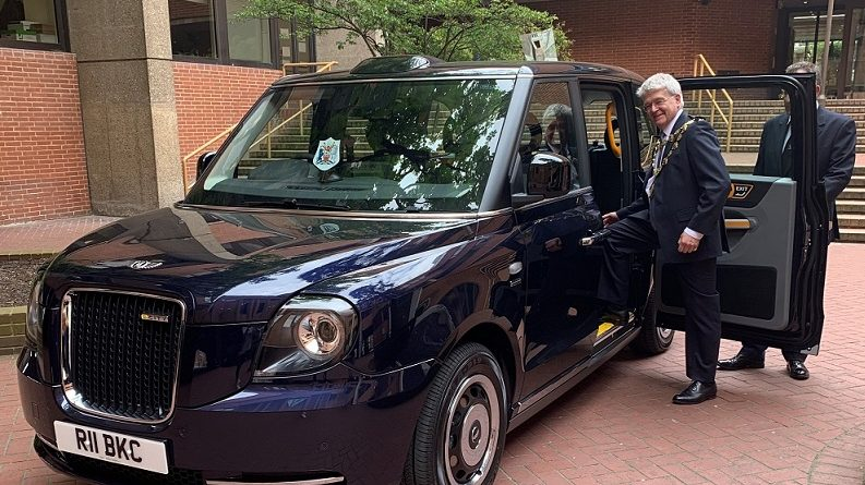 Mayor of Kensington and Chelsea shows off his green credentials