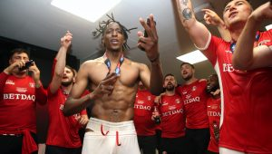 Charlton transfer chief wants Joe Aribo to stay in England if he chooses to leave Valley