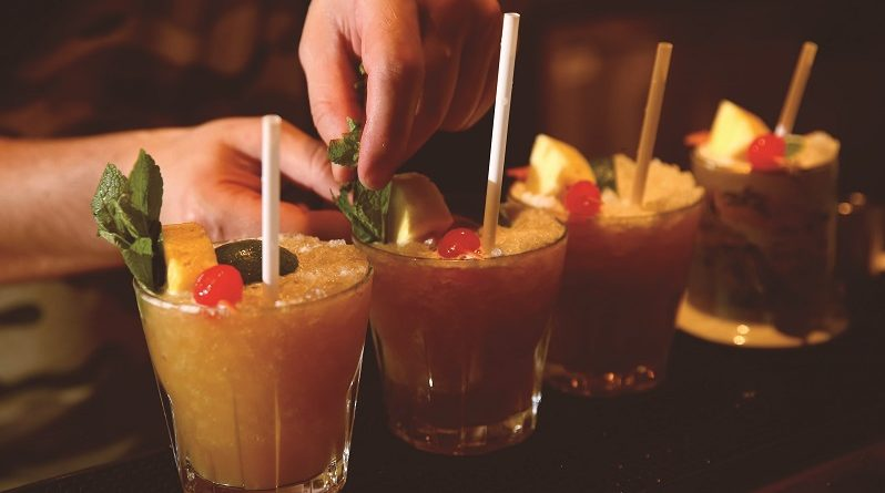 Food & Drink: Trader Vic's, Park Lane, Hilton Hotel