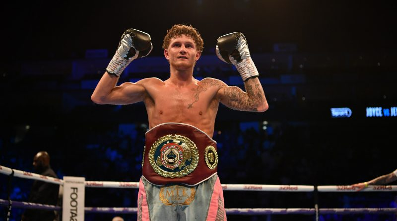 Archie Sharp retains WBO European super-featherweight title