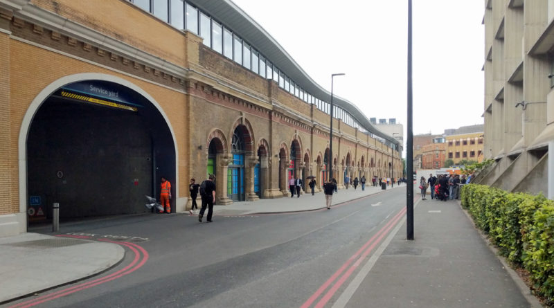 Men held after making kill threats at Southwark immigration office