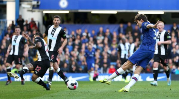 Chelsea's Alonso strikes winner to clip the wings of dour Magpies