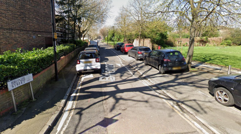 Man stabbed to death in early hours of the morning in Deptford