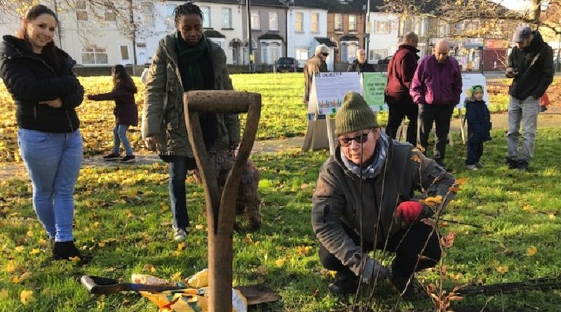 """Community group Erith Think Tank  launches campaign to """"save the green space"""""""