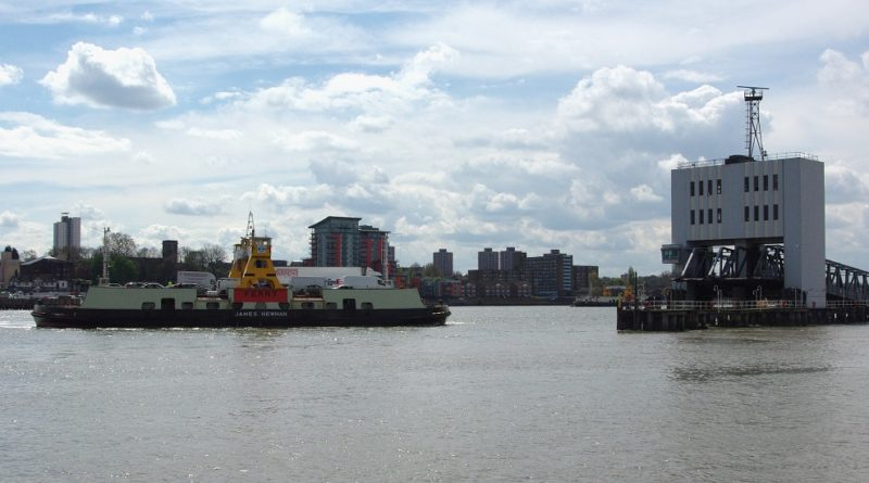 Woolwich ferry workers to strike again in row over pay